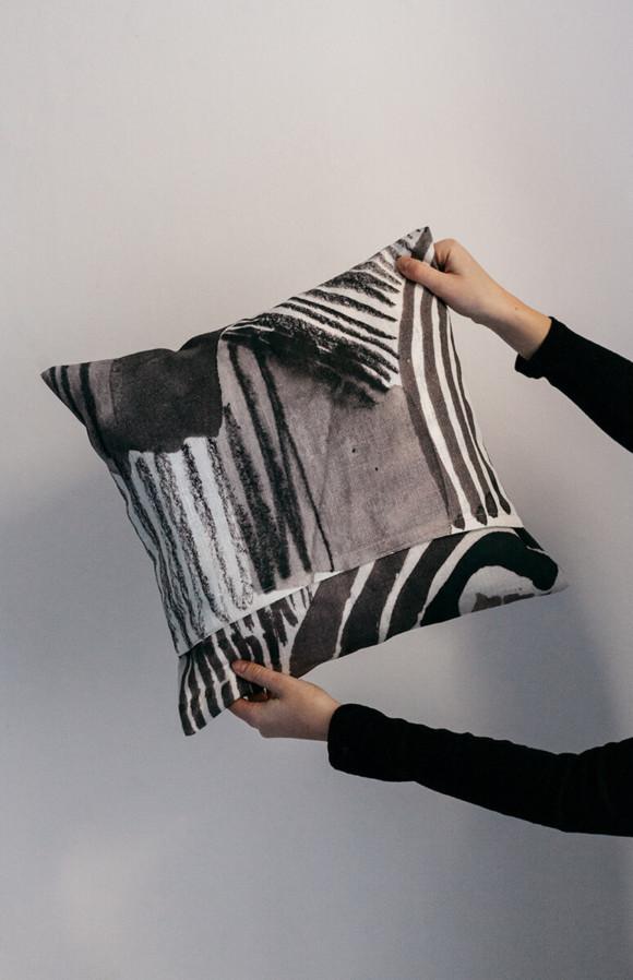Linen pillow case / Thunder ceases