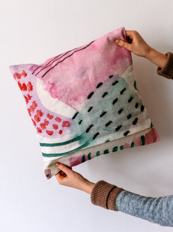 Linen pillow case / Flowers bloom