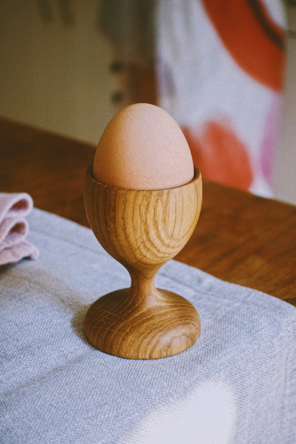 Wooden egg cup / oak