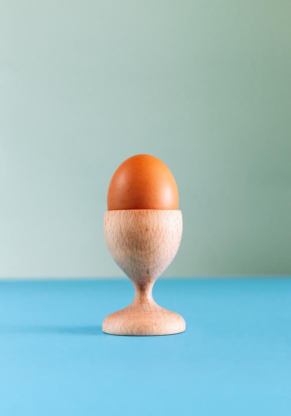 Wooden egg cup / beech