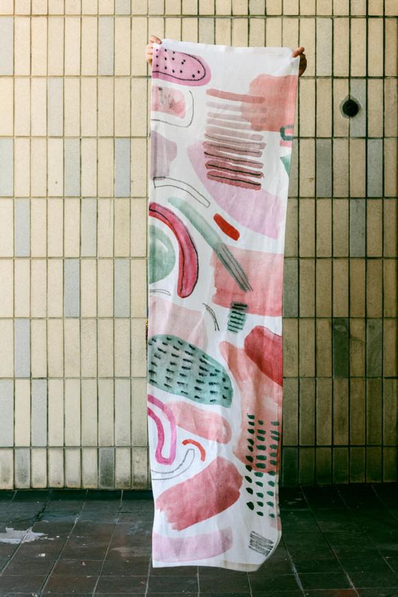 Linen table runner / Cotton flowers bloom