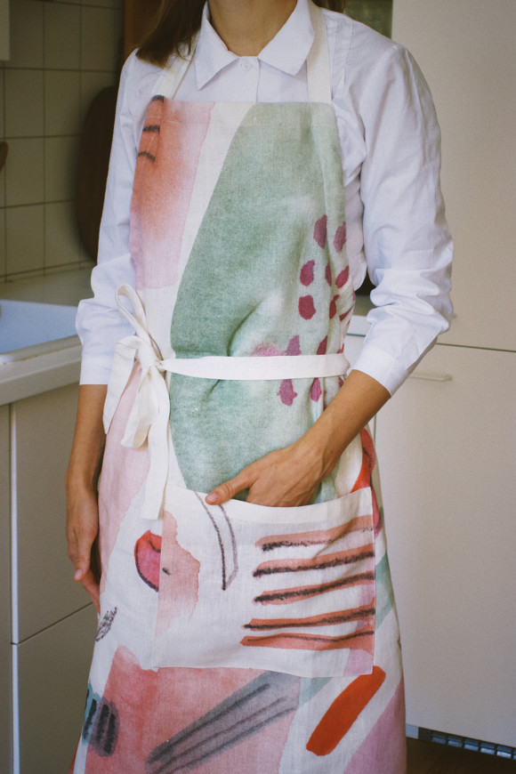 Linen Apron / Cotton flowers bloom