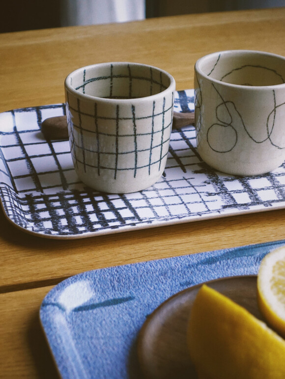 Small Wavy lines & Checked coffee cup